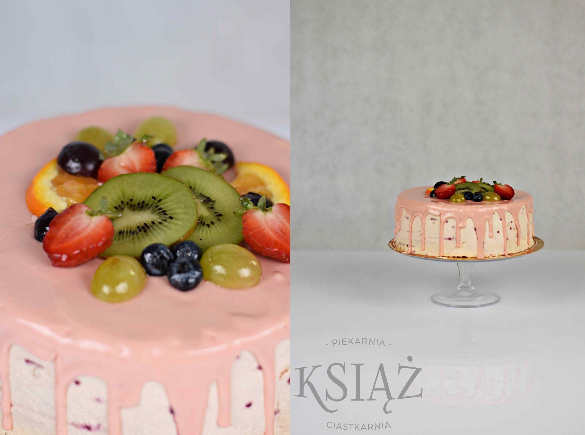 Tort Owocowy Ogród T017 - jasny biszkopt z delikatnym owocowym kremem, polany polewą i ozdobiony owocami sezonowymi