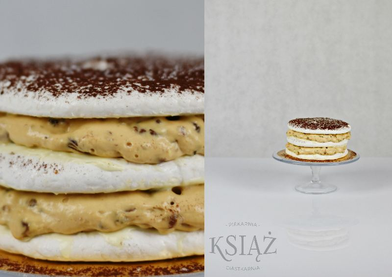 Tort bezowy z bakaliami T019 - beza przełożona kremem z bakaliami