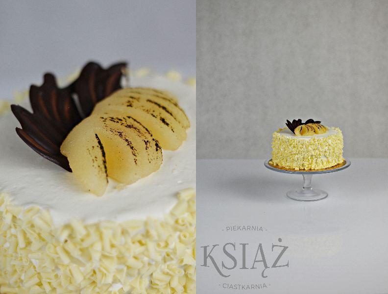 Tort gruszkowo-czekoladowy II T012 - jasny biszkopt, przełożony śmietaną czekoladową i gruszkową