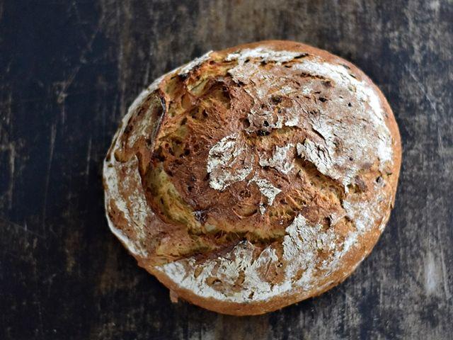 chleb wiejski produkowany w piekarni ksiąz
